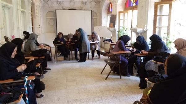 برگزاری کارگاه آموزشی سوزن دوزی بلوچی در بیرجند