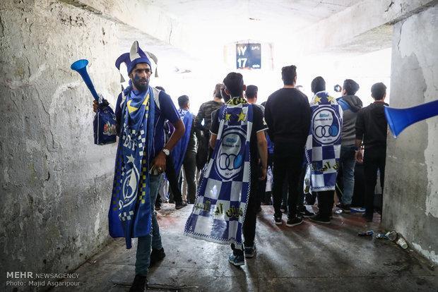 شعار هواداران استقلال علیه بازیکنان بعد از باخت به السد