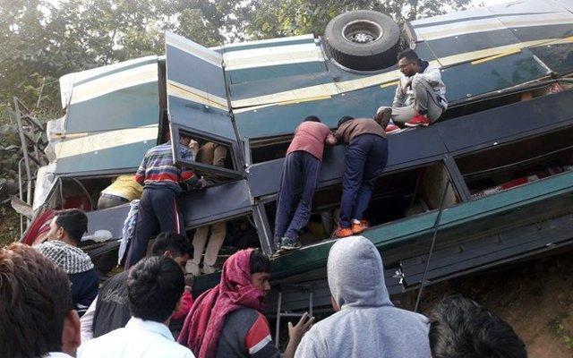 تصادف اتوبوس در هند 43 کشته داد