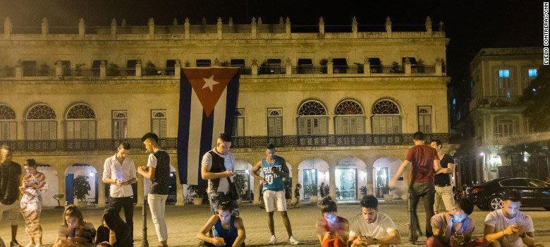 رونمایی از اینترنت موبایل برای اولین بار در کوبا