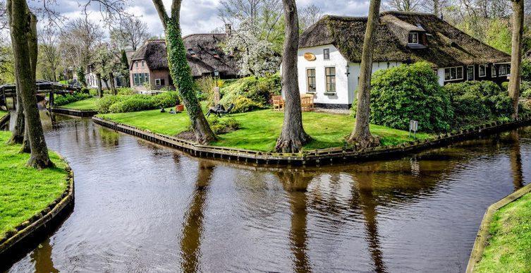 تجربه زندگی در بهشت قبل از مرگ سفر به دهکده Giethoorn هلند