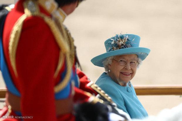 ملکه انگلیس از نماینده مجلس اخطار گرفت