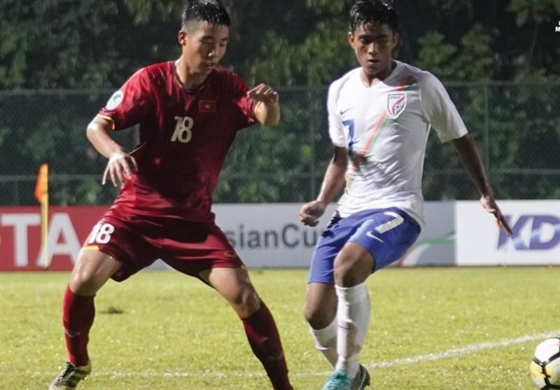 فوتبال زیر 16 سال قهرمانی آسیا، فزونی هند مقابل ویتنام در جدال همگروهی های ایران، قعرنشینی شاگردان چمنیان