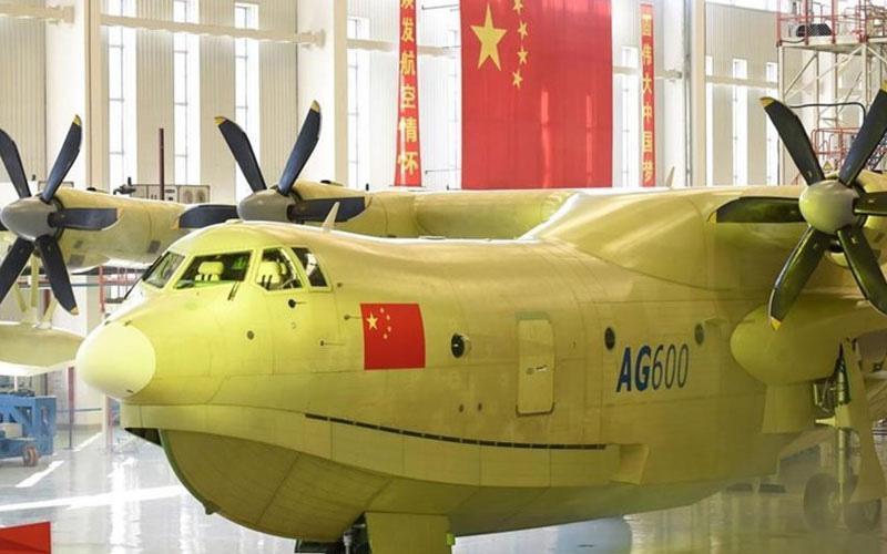 پرواز بزرگترین هوایپمای آبی- خاکی دنیا در چین