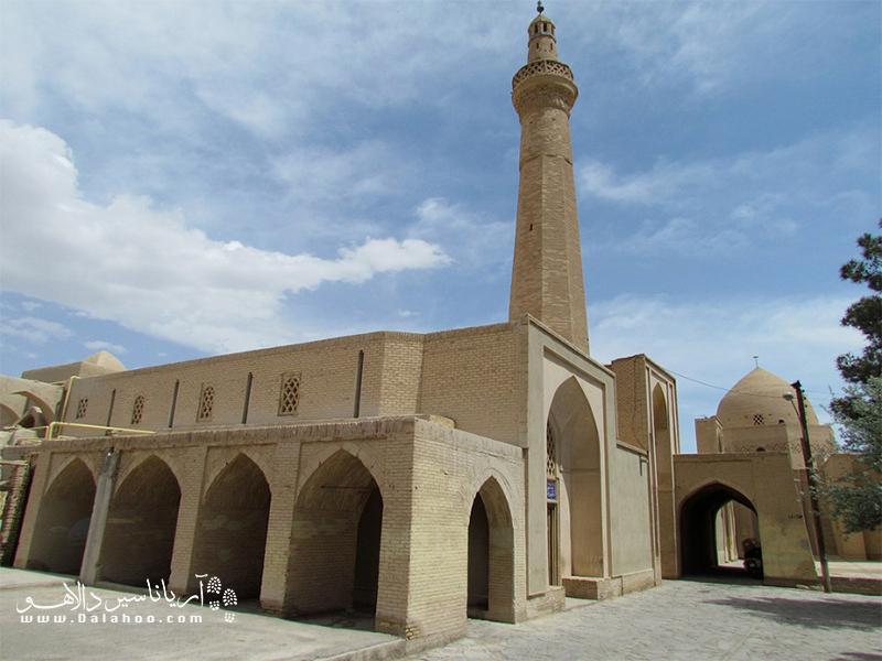 مسجد جامع نایین کجاست؟
