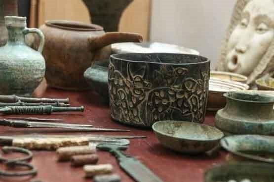 کشف تعدادی اشیاء تاریخی از قاچاقچیان در نقده آذربایجان غربی