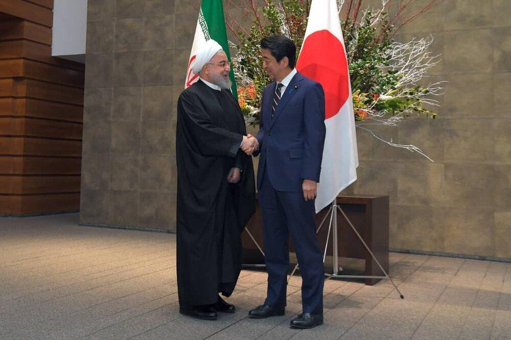 نیویورک تایمز:شینزو جای مکرون را می گیرد، لوفیگارو:توکیو با صبر ادامه می دهد