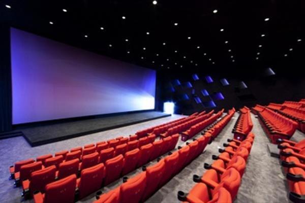 سینما باید کاربردی و در اختیار عموم مردم باشد