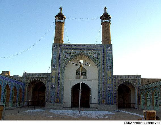معماری بعضی مساجد امروزی با معماری اصیل اسلامی در تضاد است