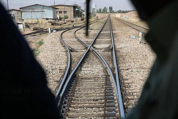 رایزنی برای برقراری قطار ویژه از ایستگاه خرم دره به تهران