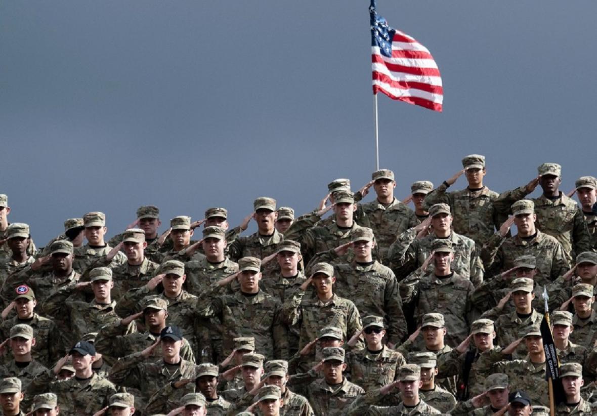 فارغ التحصیلان یک دانشکده نظامی آمریکا: دولت قانون اساسی را نادیده می گیرد