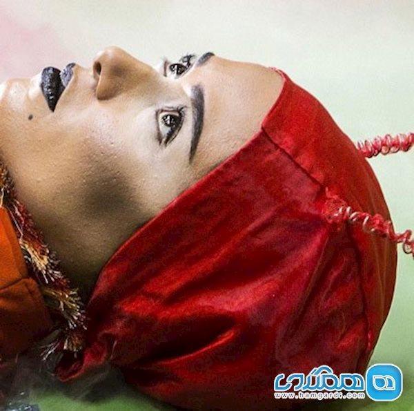 گریم عجیب پریناز ایزدیار در فیلم تفریق