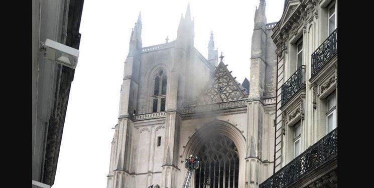 آتش دریافت دومین کلیسا در فرانسه پس از نوتردام، عکس