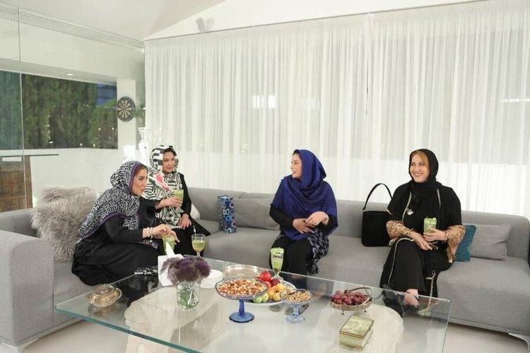(فیلم و عکس) شام ایرانی در منزل فریبا نادری