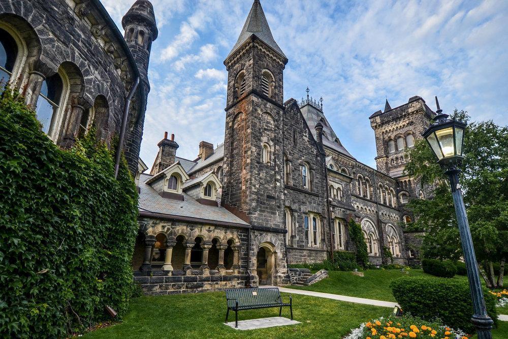 مقاله: دانشگاه تورنتو (University of Toronto)
