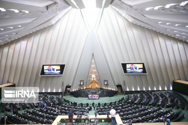خبرنگاران جلسه غیرعلنی مجلس به ریاست قالیباف شروع شد