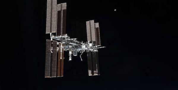 روسیه برای خروج از ایستگاه فضایی تصمیم گیری می نماید