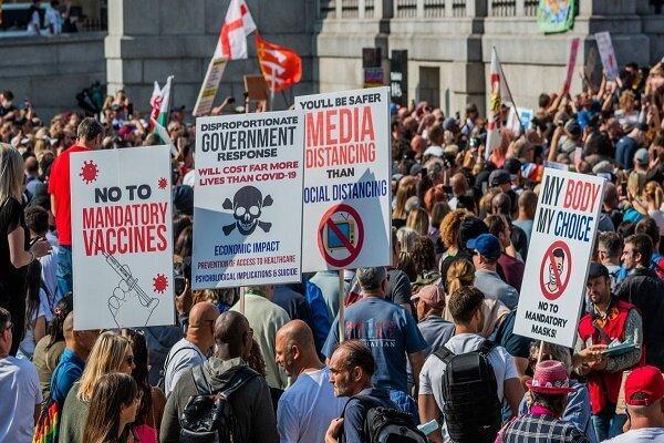 تجمع صدها لندنی علیه محدودیتهای کرونایی